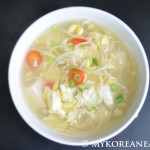Kongnamul Guk 콩나물국 (Soybean Sprout Soup)