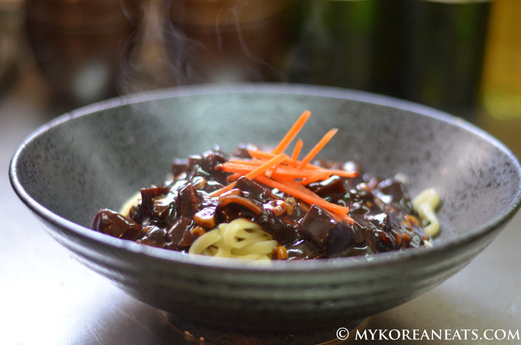 Vegetarian Jajang Myeon ??? (Noodles w Sweet Black Bean Sauce) : MYKOREANEATS
